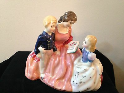 "Royal Doulton ""the Bedtime Story"" Hn 2059"