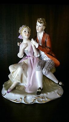 Stunning Ceramic/porceline Figurine Old World Lady & Gentleman