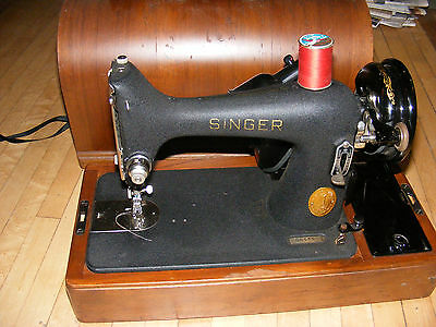 Vintage Antique Electric Singer Sewing Machine Model 221 1935.Working Condition