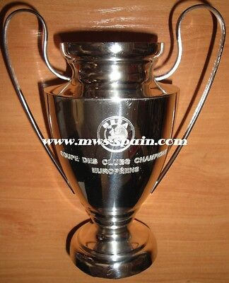 FC BARCELONA UEFA CHAMPIONS LEAGUE 2011 PLAYER SILVER TROPHY v MANCHESTER UNITED