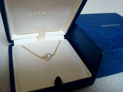 """Authentic  """"MIKIMOTO""""  Akoya Pearl Necklace 18k  gold"""