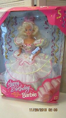 1995 Mattel Happy Birthday Barbie She's The Prettiest Present Of All NIB #14649