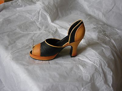 Just the Right Shoe by Raine Retroactive Item 25146