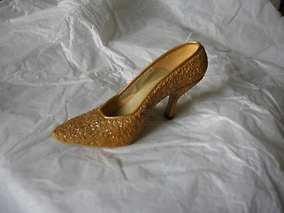 Just the Right Shoe by Raine Golden Stiletto Item 25045