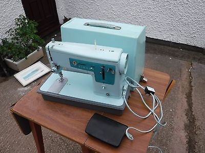 Vintage /  Retro   Singer   347   Sewing  Machine.  Ey274869.  Light  Blue