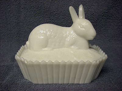 Vintage WESTMORELAND Milk Glass RABBIT ON PICKET FENCE Covered Dish - Marked