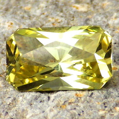 APATITE-MEXICO 3.16Ct FLAWLESS-NATURAL YELLOW GREEN COLOR-FOR TOP JEWELRY!!