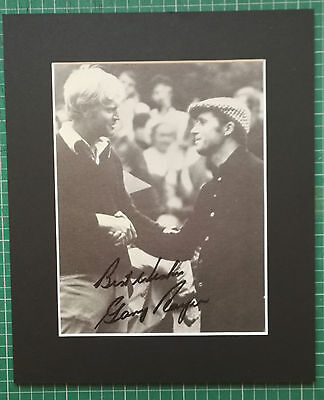 """GARY PLAYER - SOUTH AFRICAN GOLFER  ORIGINAL SIGNED PICTURE IN MOUNT 12"""" x 10"""""""