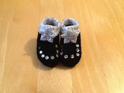 Baby's Hand Knitted Booties Newborn Black / Silver Grey Fleck Top With Flower