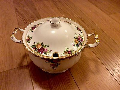 ROYAL ALBERT OLD COUNTRY ROSES Larger SOUP Tureen, 1st Quality. Excellent.