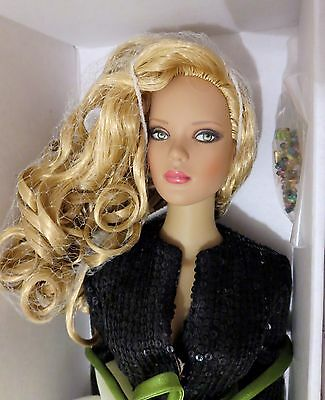 Rare BROADWAY LIGHTS -TONNER AIDS BENEFIT DOLL -W COA - PRISTINE-NRFB w shipper