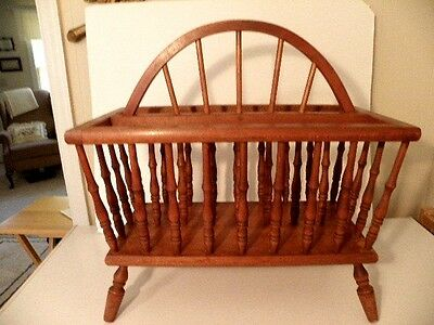 quVtg Colonial Early American Spindled Magazine Rack Newspaper Holder Solid Wood