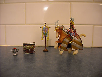 Fantasy Lot Breyer Stablemate Medieval Figurine Horse Armour Treasure Standard +