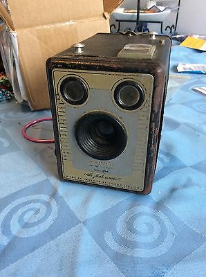Brownie Camera Six-20 MODEL D Made In England Limited To Kodak