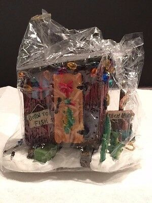 Department 56 Here Fishy Fishy Ice House w/box