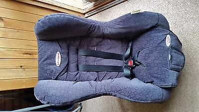Safe-n-Sound Compaq Deluxe Child Car Seat - reversible direction