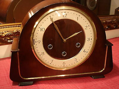 A simply Majestic, Vintage, Mahogany, Westminster Chiming Mantel Clock. superb