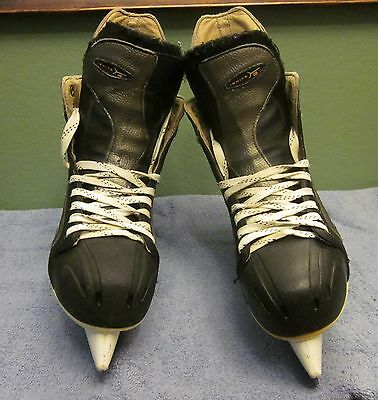 Nike Ignite 4 Men's Hockey Skates- Size 9D  Very Good Lightly Used Condition!!