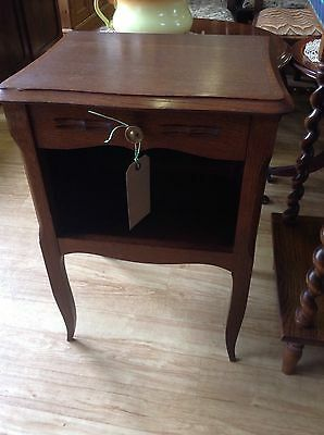 Small Vintage Mahogany SideTable/Hall Table Bedside Cabinet