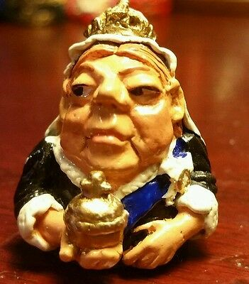 Stephen Frost Warwick Pewter Thimble QUEEN VICTORIA Character