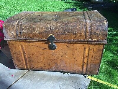 Antique Vintage Trunk , Chest Steamer, Storage Etc, Barn Find ��