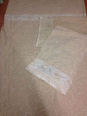 Well Used Low Priced King Size Duvet Cover & 2 Pillow Cases