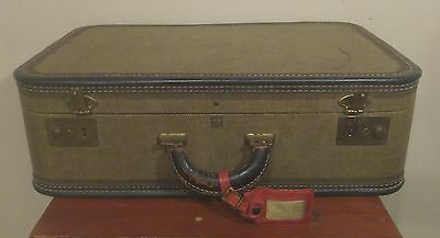 "Vintage US Trunk Co Suitcase No Key 21.5"" x 14"" x7"" Celanese Lining"