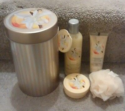 "* The Body Shop 'Vanilla Brulee"" Tin Gift Set *"