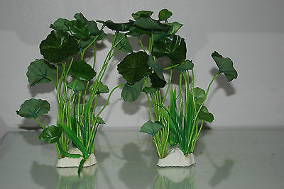 Aquarium 2 x Realistic Tall Green Plants 6 x 3 x 22 cms For All Aquariums