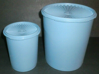 Vintage Set of 2 Tupperware Country Blue Servalier 5 & 17 Cup Canisters