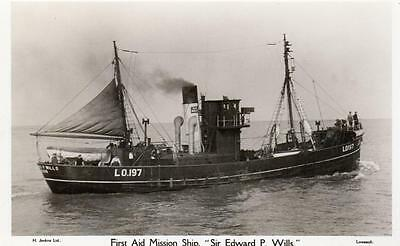 First Aid Mission Ship Trawler Lowestoft LO 197  Sea Fishing RP pc Ref A122