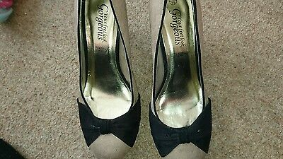 Ladies black and beige suede shoes size 6