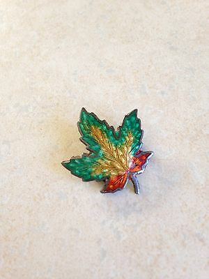 VINTAGE STERLING SILVER MAPLE LEAF GREEN YELLOW ENAMEL BROOCH PIN Signed BM Co.