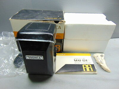 Vintage YASHICA MAT-124G 80mm f/3.5 TLR Camera *Old Store Stock / Unused! Mint!