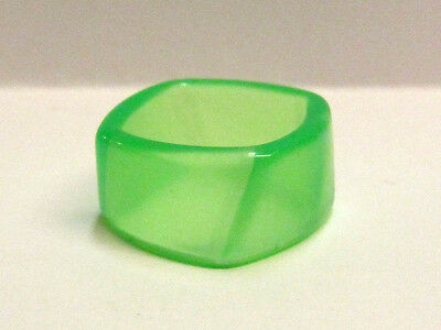 Vintage Collectible Neon Green Lucite Ring