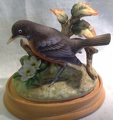 Andrea By Sadek Bisque Robin Figurine W/ Wood Base Fall Leaves Made In Japan