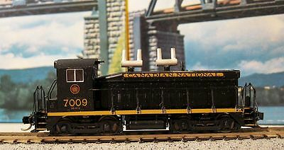N Scale Canadian National Cow SW9/1200 Loco .......Scroll Down