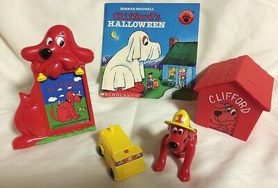 Clifford Big Red Dog Subway Toys fire Chief Figurine Frame Dog House