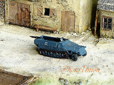 WW2 1:144 Scale Wargame Diorama German SdKfz 251 Ausf Armored Vehicle NMT 425x