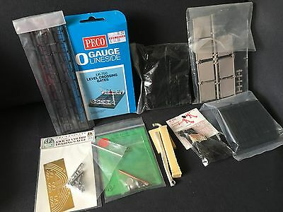 O Gauge 7mm scale detailing items for model railway Peco Level Crossing