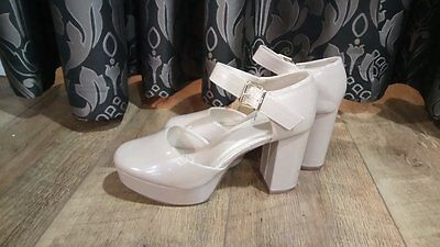 Woman's Nude Shoes with Block Heel and Closed in Toe with Ankle Strap Size 6