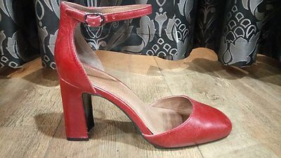 Woman's Red Leather Block Heel Shoes from Clarks with Ankle Strap and Closed Toe
