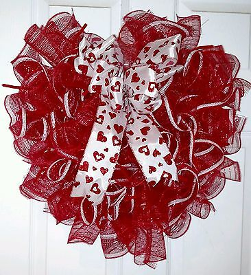 DECO MESH VALENTINES DAY HEART WREATH - Free Shipping