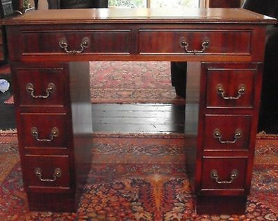 Small Ladies Knee Hole Writing Desk Leather Top Georgian Style