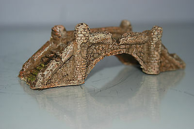 Aquarium Small Light Detailed Bridge 12 x 4.5 x 4 cms Suitable For All Aquariums