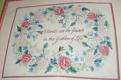 Crewel Hand Embroidery Stamped Printed Ecru Picture Pillow Kit Friends R Flowers