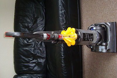 Dyson Hoover Vacuum Cleaner Dc33 Bagless