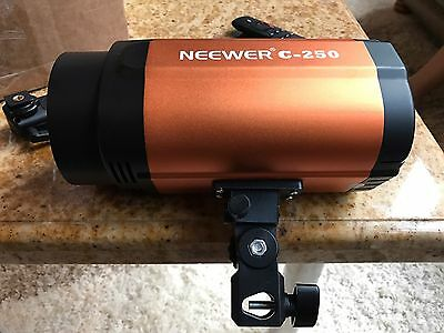 Pair Of NEEWER 250W Master/Slave Strobe Studio Flash  Light With Transmitters