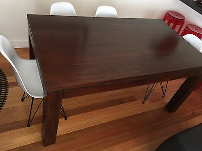 Dining Table with Removable Legs and X6 Eames Chairs