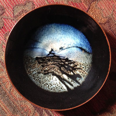 Beautiful original ceramic Greg Daly plate- excellent condition